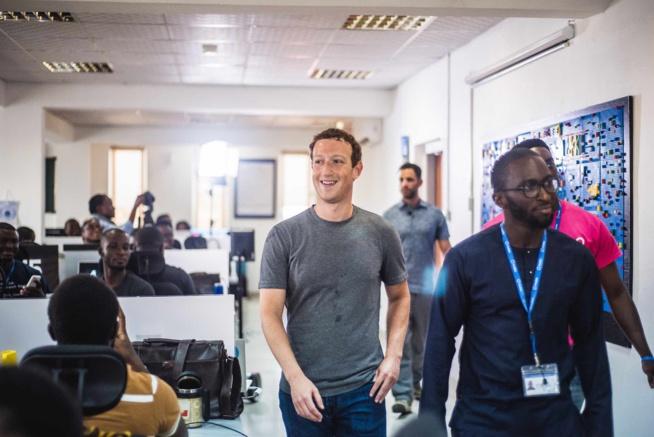 Le patron de Facebook Mark Zuckerberg en visite au Nigeria