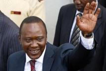 Kenya: Uhuru Kenyatta fait appel à deux sociétés de téléphonie mobile pour sa défense