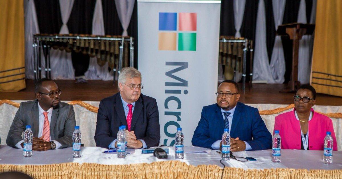 Microsoft va aider les écoles zimbabwéennes à mettre à niveau leurs technologies