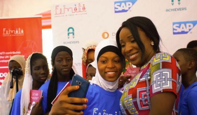 Ghana: 50 000 filles vont être formées au numérique