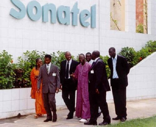 Sénégal: L'Etat veut réduire de moitié sa facture de téléphone