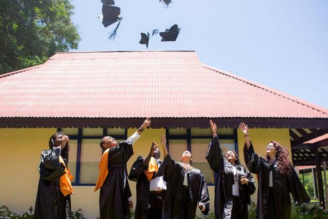 Ile Maurice: Il est possible d'obtenir des diplômes en moins d'une semaine sur le web