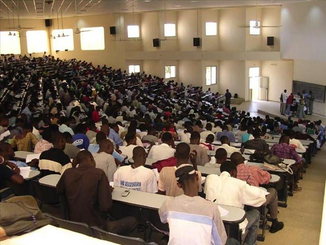 Sénégal: Plus de 5000 étudiants de l'Université virtuelle crient leur ras-le-bol