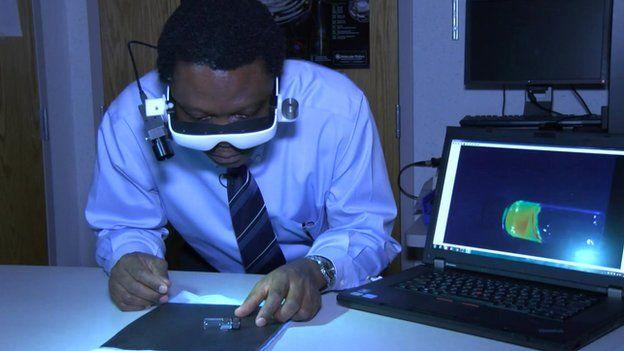 Un scientifique nigérian récompensé pour avoir conçu des lunettes de diagnostic du cancer